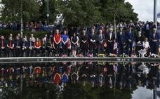 Homenaje a las víctimas en el veinte aniversario del atentado de Omagh