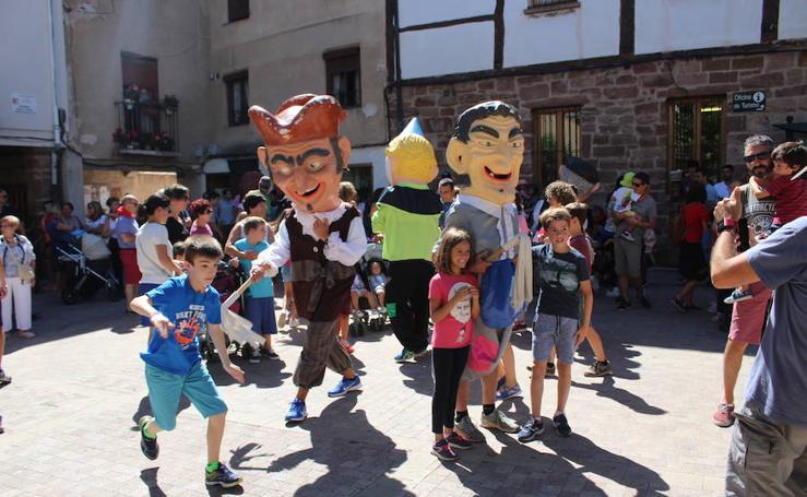 Ezcaray concluye las fiestas de San Lorenzo con gigantes y cabezudos