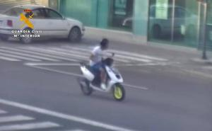 Detenido un 'tironero' en moto especializado en ancianas