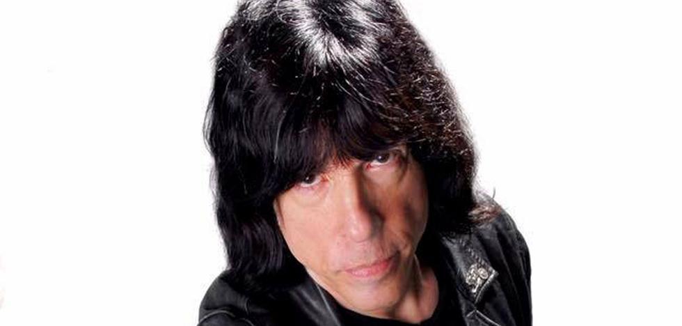 «Vamos a tocar todos los temas clásicos de Los Ramones»