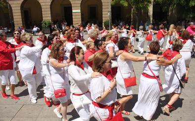 La alegría se baila en femenino