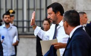 Salvini amenaza con enviar a Libia a 177 emigrantes rescatados por guardacostas italianos