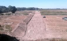 La CHE inicia el retranqueo del Ebro