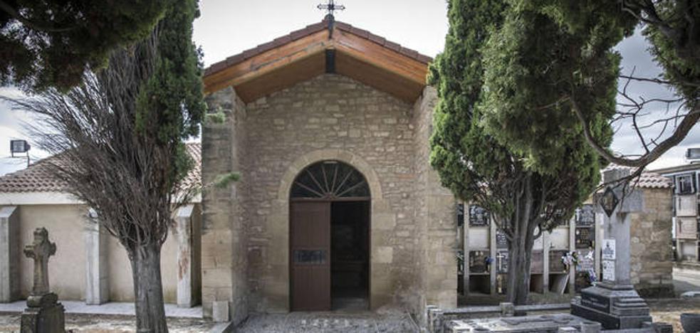 Profanan una tumba en el cementerio de Viana