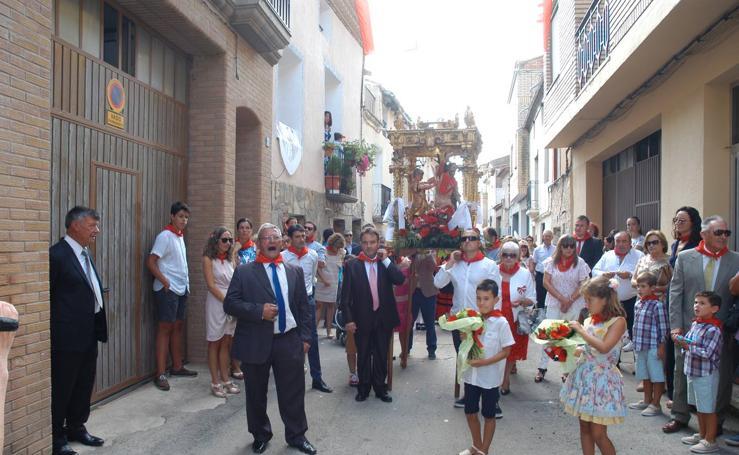 Misa y procesión en Aldeanueva de Ebro