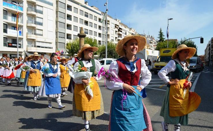 Desfile de flores en las fiestas de Calahorra