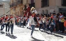 Los gaiteros bailaron para San Gil