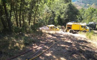 Los forestales riojanos sofocan un incendio en un monte de Ojacastro