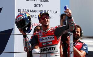 Dovizioso brilla en el duelo a tres de MotoGP