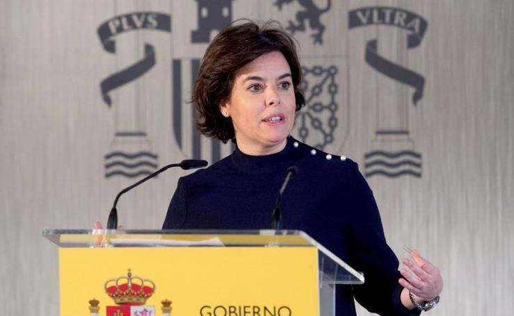 Sáenz de Santamaría, su vida política en imágenes