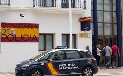 Dos agentes abaten en Estepona a una persona que respondió con disparos al intentar ser detenida