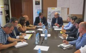 Nagore y Alonso mantienen una reunión de trabajo con la Comunidad de Regantes de Zarratón