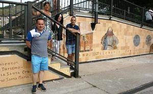 El edil de Cultura niega el sobrecoste en el proyecto del mural de la pasarela