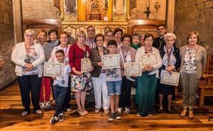 35 nuevos 'hermanos' en la cofradía de Hermosilla