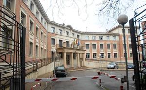 UGT alerta del riesgo de desprendimientos en el edificio de la Consejería de la calle Villamediana