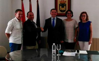 Firmado el convenio para las obras de la Casa del Marqués, en Herce