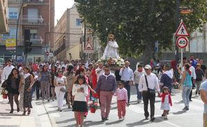 Los ecuatorianos de Alfaro honran a su patrona con una jornada festiva