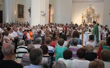 Alfaro agradece los 16 años de labor del sacerdote Javier Martín en su despedida