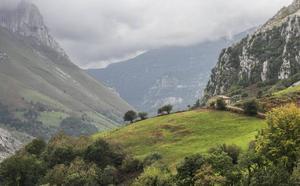 Tres riojanos rescatados en Cantabria tras perderse de noche en el monte