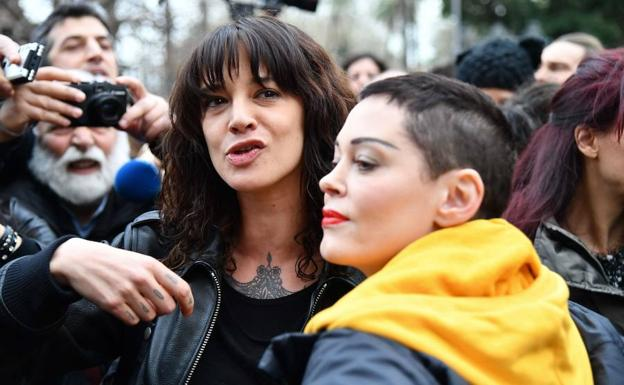 Asia Argento y Rose McGowan./Afp
