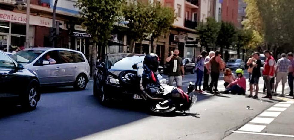 Un motorista herido tras chocar con un coche en Logroño
