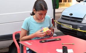 Concurso de habilidad con el cubo de Rubik
