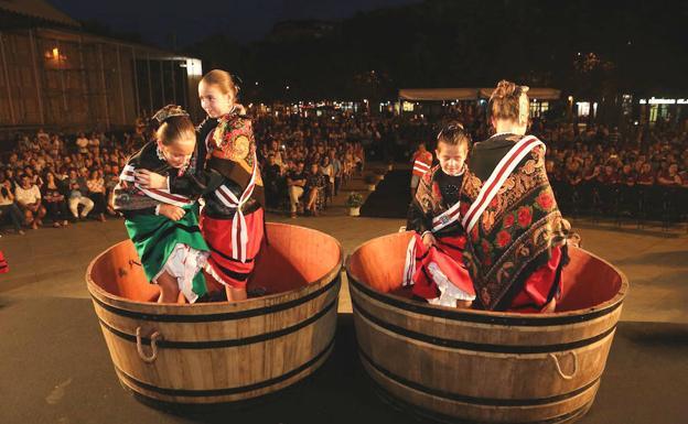 Fiestas De San Mateo 2018 Las Deportistas Riojanas Protagonizan El Pisado De Uva Popular Y Solidario La Rioja