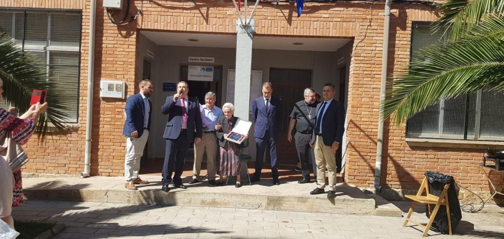 Lagunilla y Ventas Blancas homenajean a Filomena Ruiz por sus 102 años