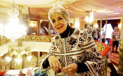 Concha Velasco recibe el alta y espera volver al teatro el próximo jueves