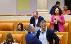 Natalia Rdríguez vota contra el criterio del grupo de Podemos en una comisión parlamentaria