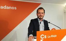 Baena: «Limitar los mandatos evitará que alguien convierta La Rioja en su cortijo»