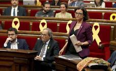 El Parlament, dividido, rechaza reprobar al Rey