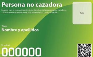 Ecologistas en Acción lanza 'Yo no cazo', el carné de persona no cazadora