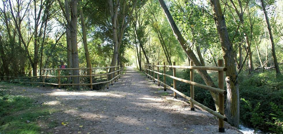 El Ayuntamiento najerino repone parte del vallado del camino del Parque Pedagógico