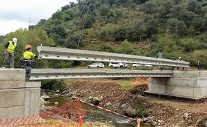 Nuevo puente sobre el río Urbión en Viniegra