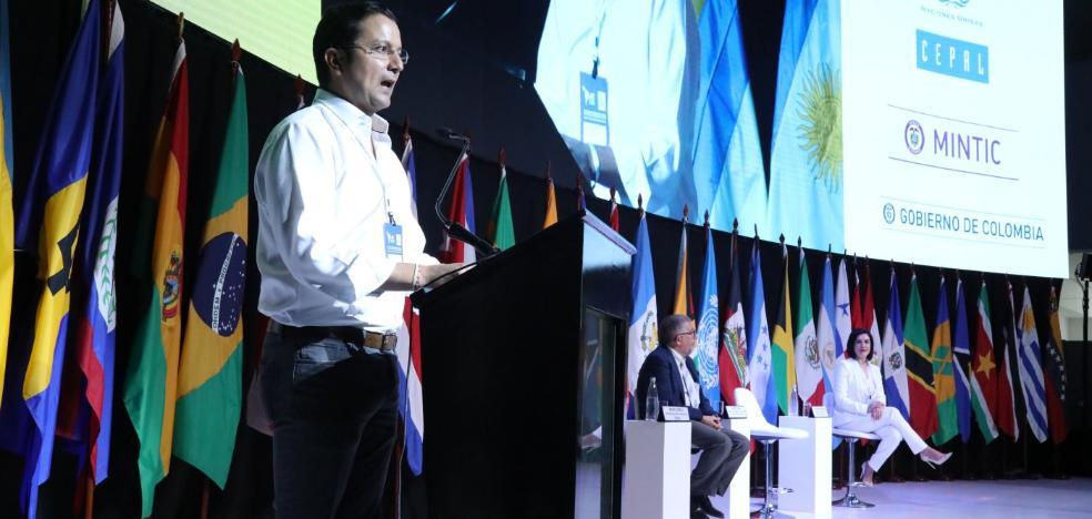 «Debemos educar y formar ciudadanos digitales, no ciudadanos de y para las redes sociales»