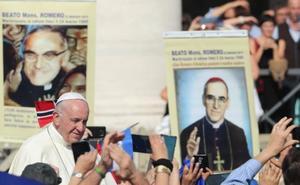 El Papa Pablo VI y monseñor Romero ya son santos