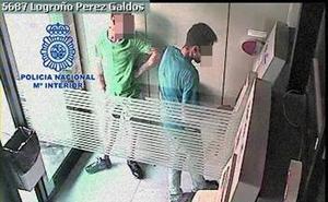 Dos detenidos por robar en el interior de vehículos, bares y establecimientos comerciales