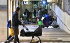 Logroño cierra el polideportivo Espartero y deja en la calle a decenas de temporeros