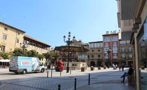 La reurbanización de la plaza de la Paz de Haro finaliza con diez meses de retraso