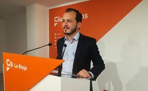 Baena: «La Ley de Profesionalización reducirá políticos en empresas públicas»
