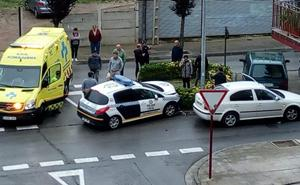 Choca contra un coche policial que trasladaba a un enfermo en Santo Domingo
