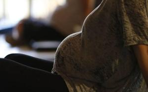 Primera sentencia riojana que obliga a devolver el IRPF de una maternidad