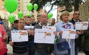 Plena Inclusión La Rioja celebra con globos la reforma de la ley electoral