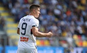 Piatek, el inesperado goleador que atrae a los grandes de Europa