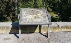 La Guindilla: mal estado de los paneles del parque del Ebro