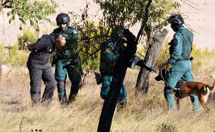 El GAR y la Gendarmería francesa ensayan en la capital riojana un nuevo método para encontrar explosivos terroristas