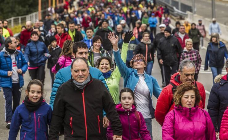 Casi 3.000 personas en la marcha Aspace (II)