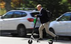 Los discapacitados riojanos piden más regulación de patinetes y bicis