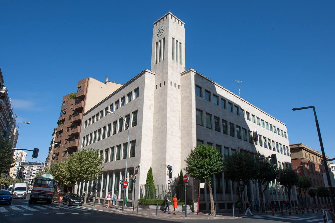 Un simulacro de la Policía Nacional pone patas arriba el centro de Logroño
